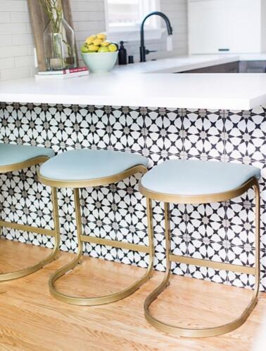 Kitchen Bar Feature