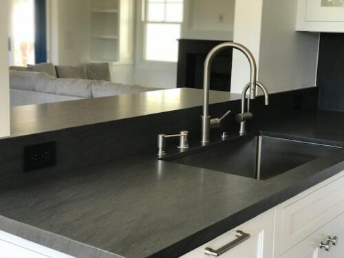Counter with Mitre